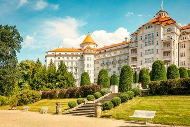 Njut av Karlovy Vary